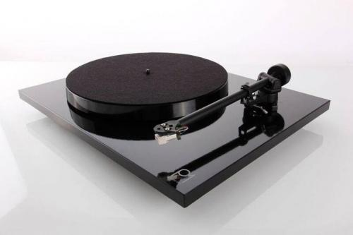 Rega Planar 1 Turntable Inc Carbon MM Cartridge