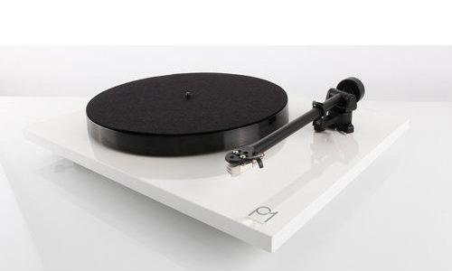 Rega Planar 1 Plus Turntable Inc Carbon MM Cartridge